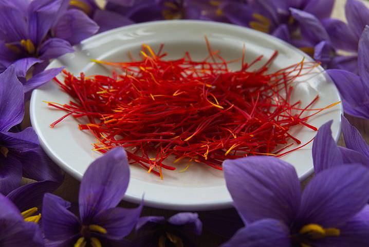فواید گلبرگ زعفران