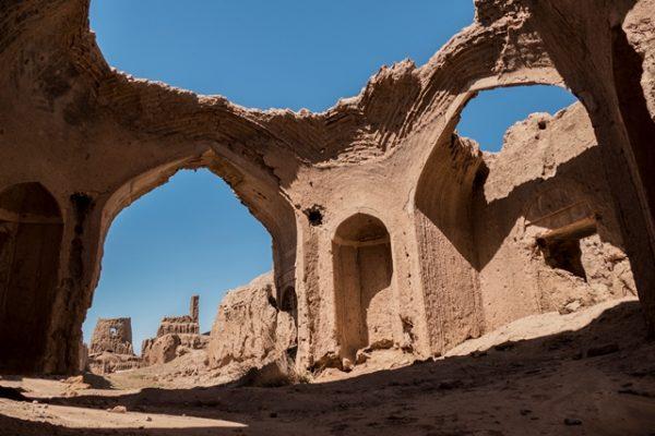 بازدید از آثار باستانی گناباد